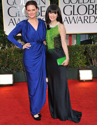 Zooey Deschanel and her sister Emily Photo from Modasplendida @ http://www.flickr.com